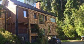 Casa moderna de 6 dormitorios, con vista al Arboretum, Isla Teja, Valdivia